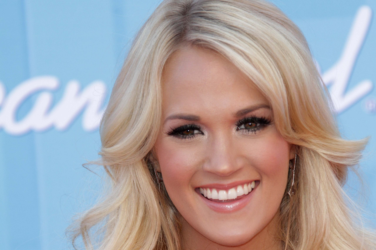 Comm Grad Spotlight: Carrie Underwood